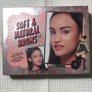 Benefit Cosmetics Soft & Natural Brow Kit 06 Deep